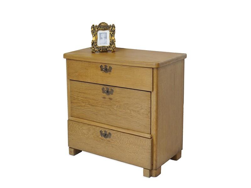antike zierliche kommode um 1900 eiche 72x74x38 cm kommoden und anrichten kommoden. Black Bedroom Furniture Sets. Home Design Ideas
