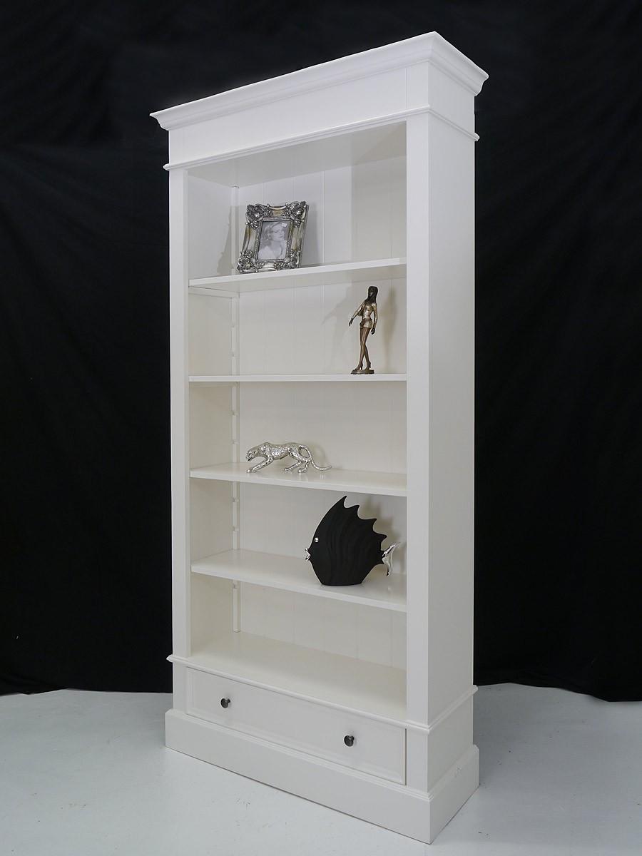 b cherregal massiv in wei mit einer schublade regale. Black Bedroom Furniture Sets. Home Design Ideas
