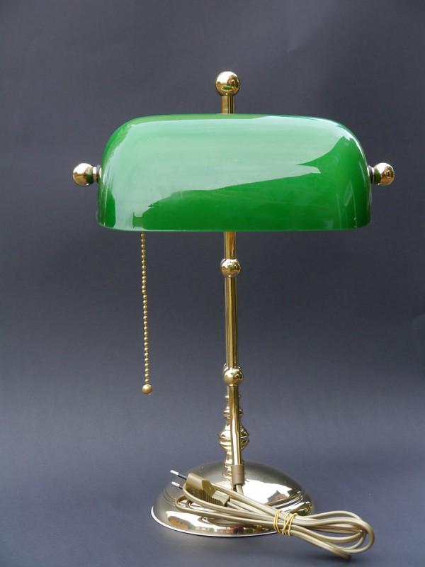 bankerlampe aus messing mit gr nem glasschirm lampen. Black Bedroom Furniture Sets. Home Design Ideas