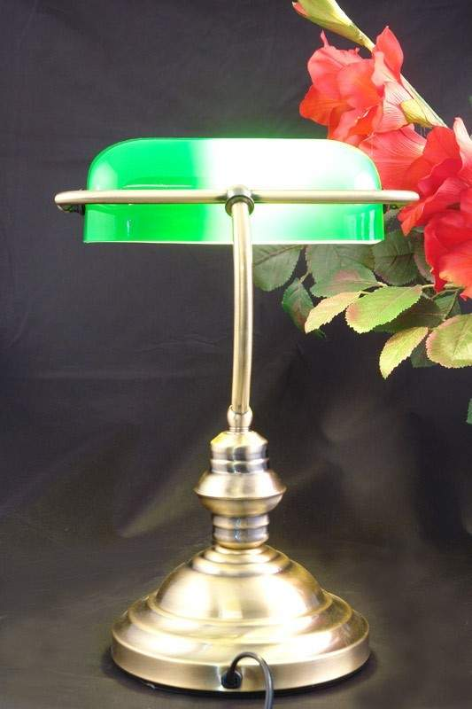 schreibtischlampe messing mit gr nem glasschirm lampen tischlampen. Black Bedroom Furniture Sets. Home Design Ideas
