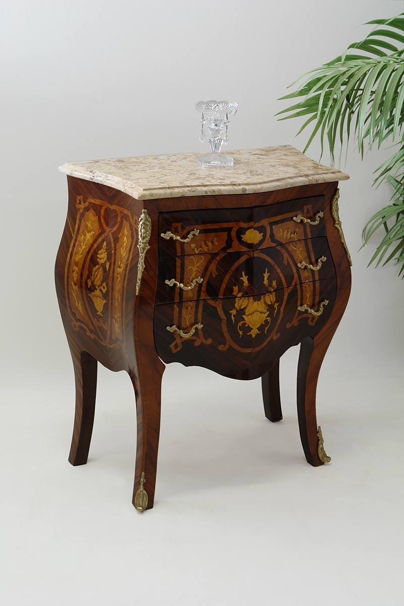 zierliche kommode im barock stil palisander mit edlen intarsien kommoden und anrichten kommoden. Black Bedroom Furniture Sets. Home Design Ideas