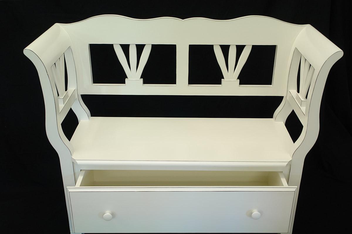 sch ne bank aus weichholz in cremewei sitzm bel b nke. Black Bedroom Furniture Sets. Home Design Ideas