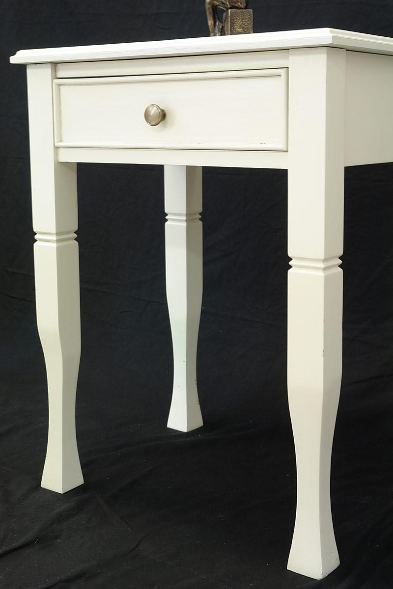 eleganter beistelltisch englischer stil cremewei tische beistelltische. Black Bedroom Furniture Sets. Home Design Ideas