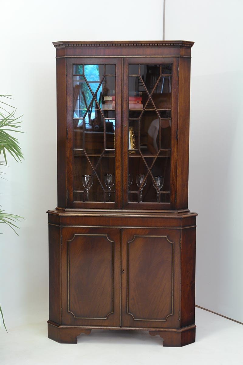 M Belrestaurierung Stuttgart eckschrankmitglastuerenimantikenstilmahagonigebraucht1867 eckschrank gebraucht antik