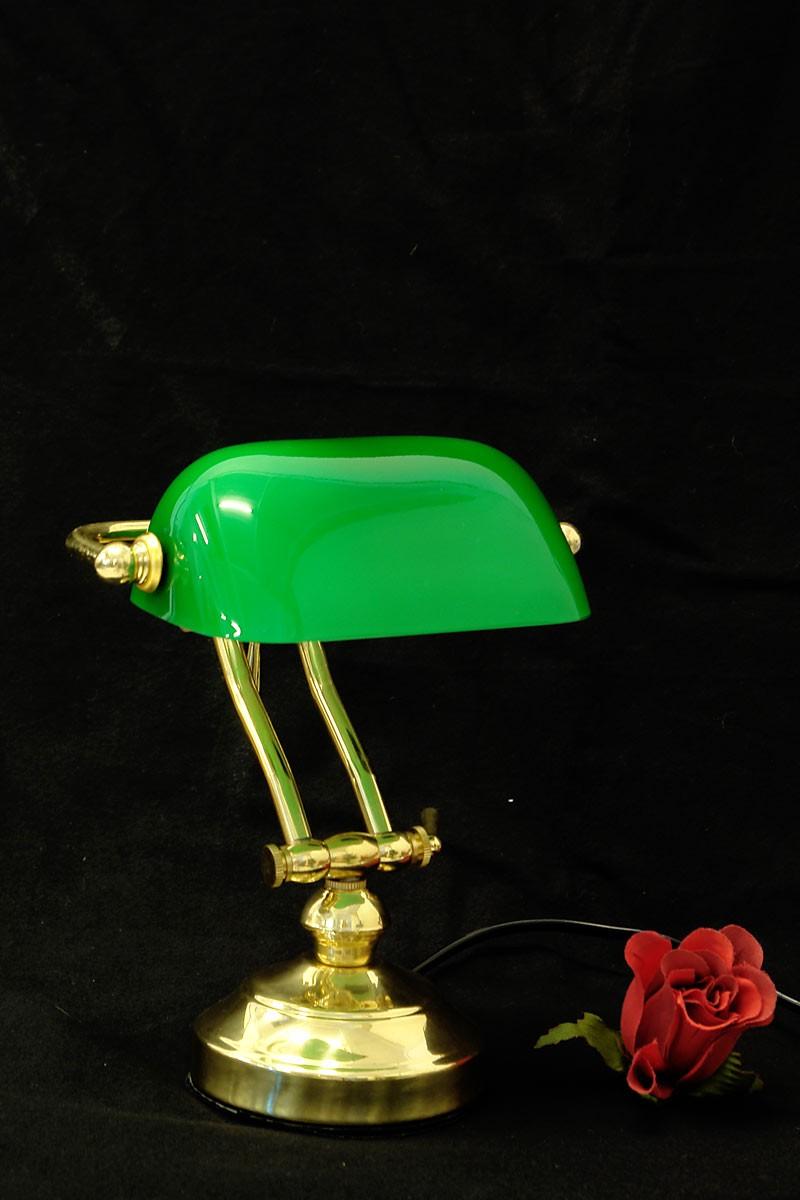 kleine bankerlampe aus messing mit gr nem glasschirm lampen tischlampen. Black Bedroom Furniture Sets. Home Design Ideas