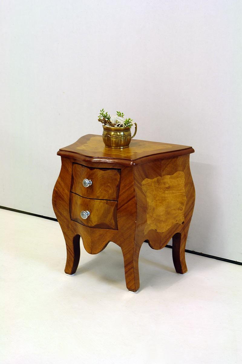 sehr kleine kommode im barock stil vogelaugenahorn. Black Bedroom Furniture Sets. Home Design Ideas