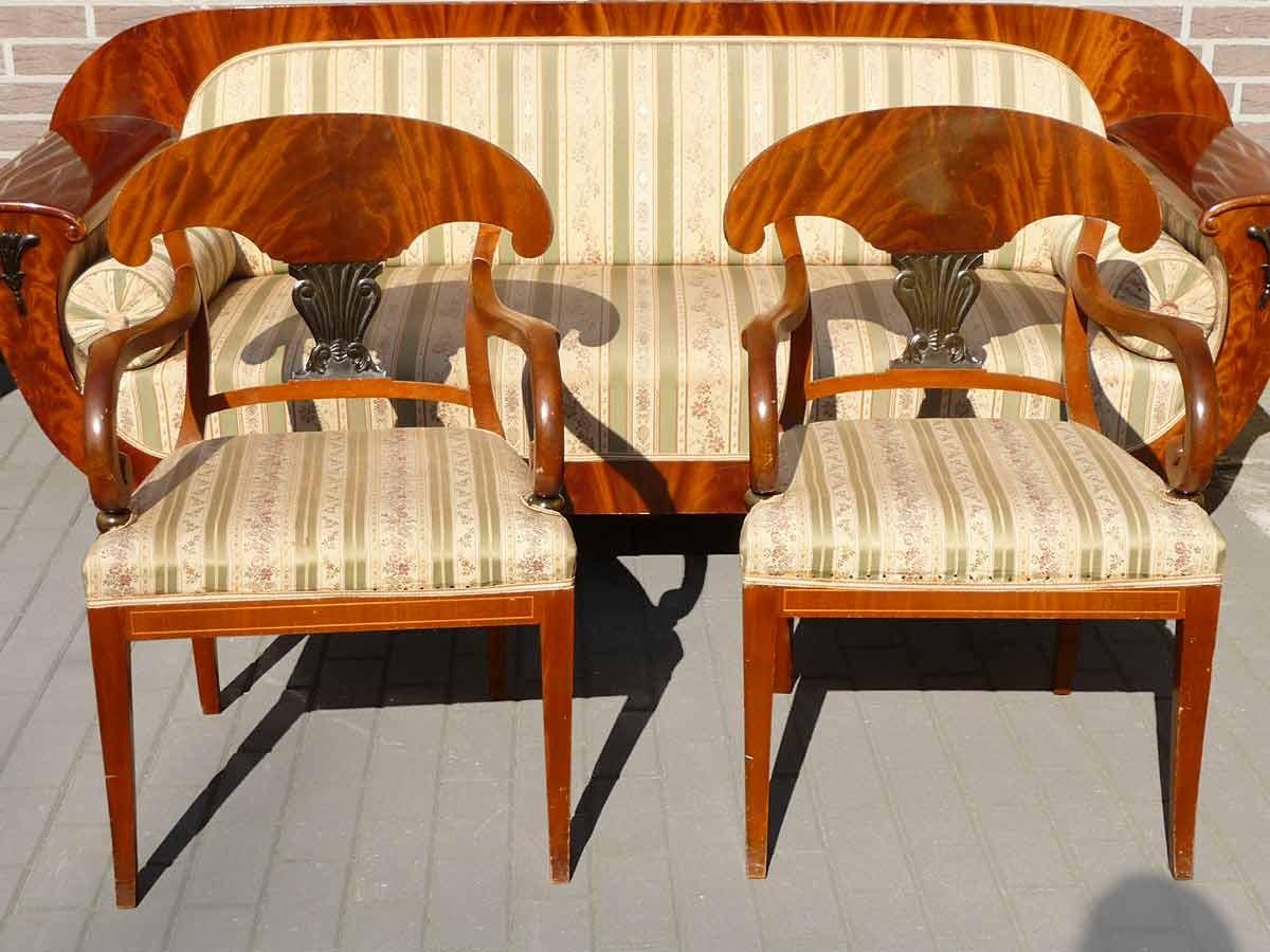 #B34B05 Zimmer Kommode Sofa Tisch Stühle Biedermeierstil Unrestauriert 1960  Esszimmer Sofa 3603 Bild 12009003603