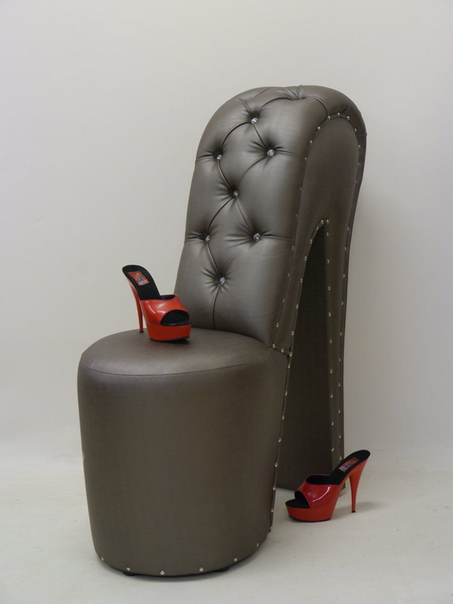 stuhl sessel stuhl hocker sexy high heel xxl form in grau. Black Bedroom Furniture Sets. Home Design Ideas