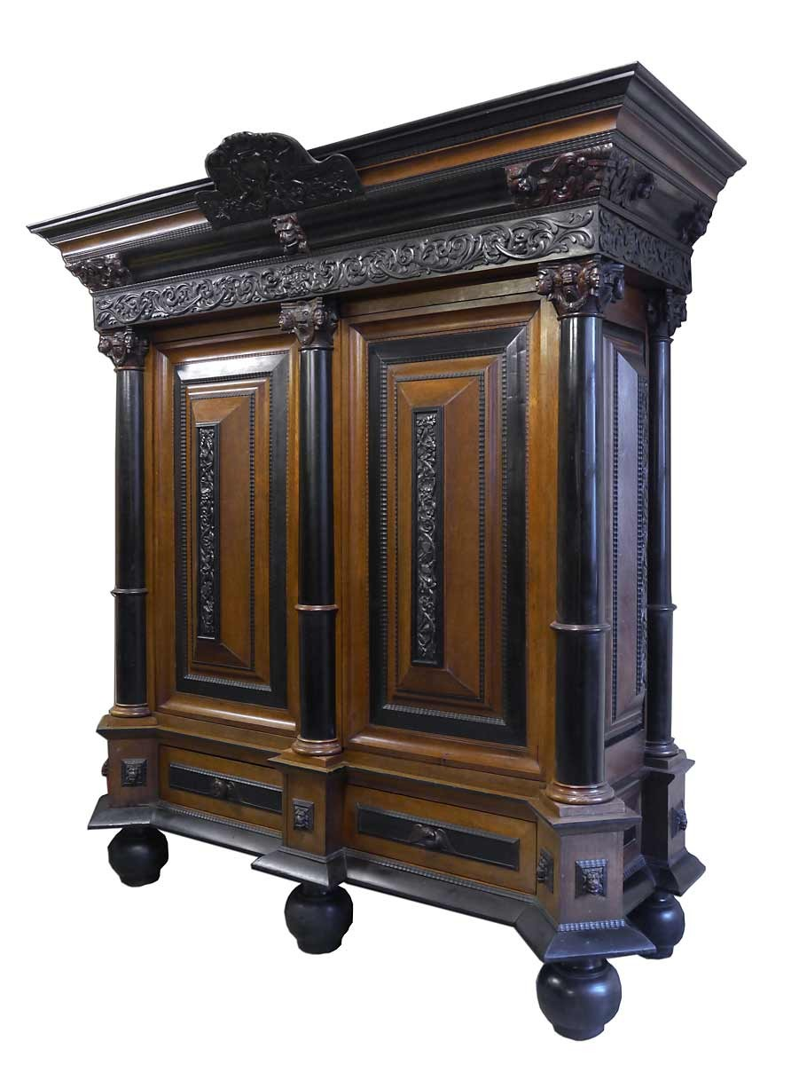 kleiderschrank dielenschrank schrank neo barock um 1900 nussbaum furniert 2186 ebay. Black Bedroom Furniture Sets. Home Design Ideas