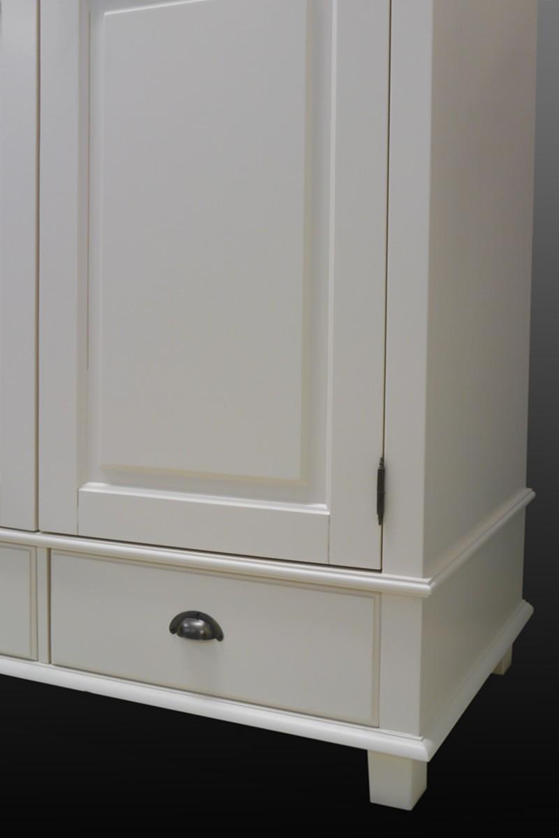cremewei er kleiderschrank im landhausstil 2 t rig schr nke kleiderschr nke. Black Bedroom Furniture Sets. Home Design Ideas