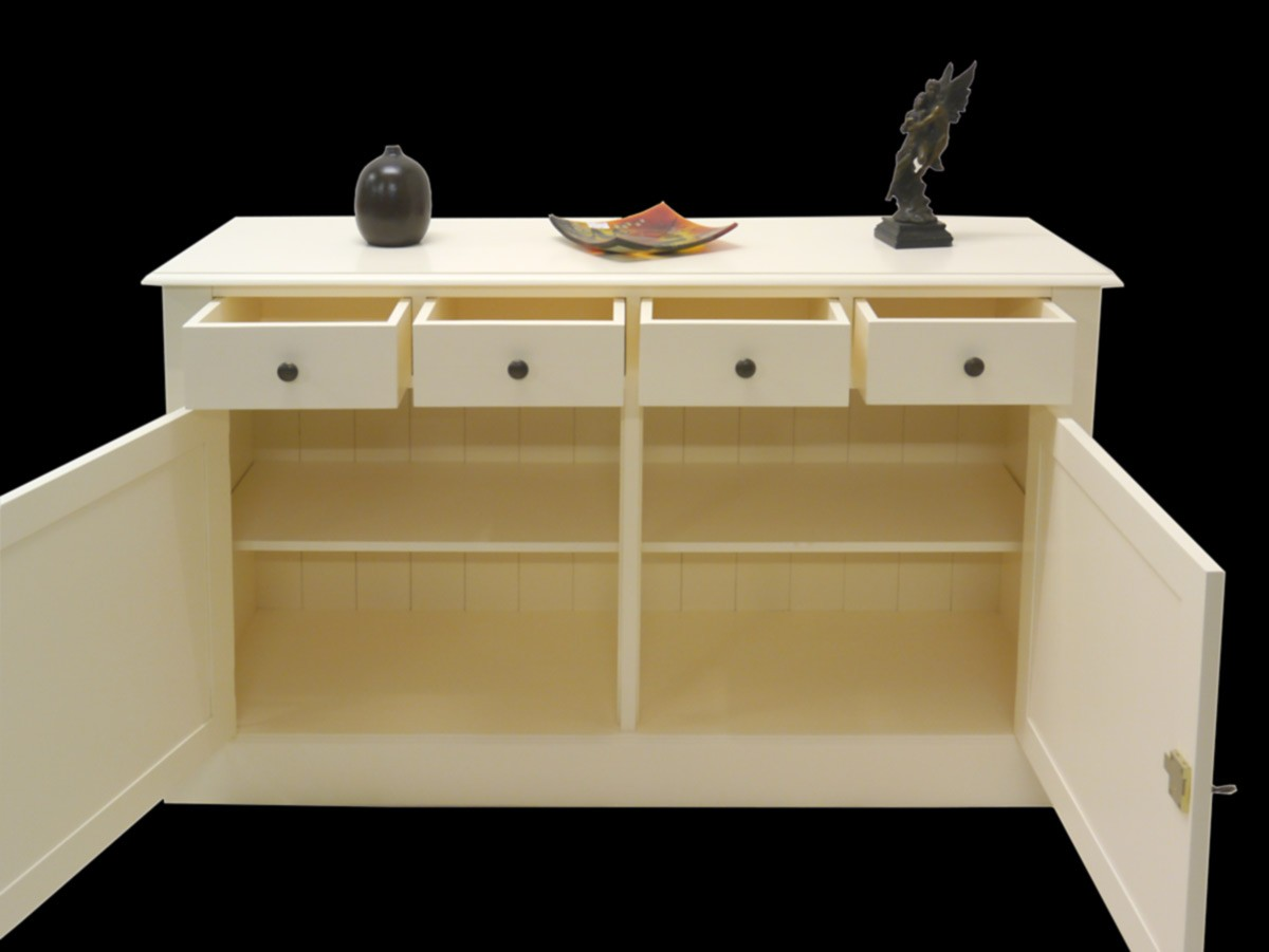 stilvolles sideboard im landhausstil in creme wei kommoden und anrichten sideboards anrichten. Black Bedroom Furniture Sets. Home Design Ideas