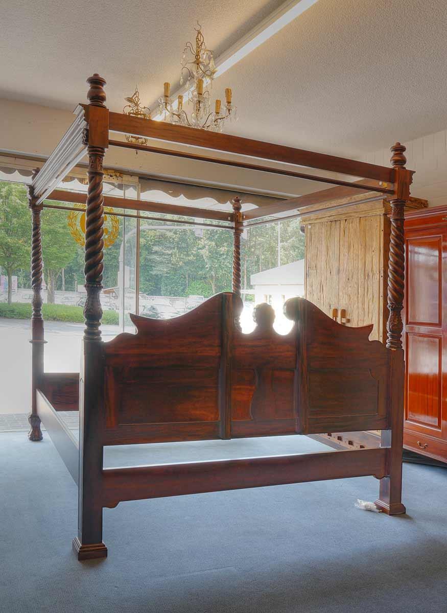 himmelbett 180 x 200 aus mahagoni im antik stil betten. Black Bedroom Furniture Sets. Home Design Ideas