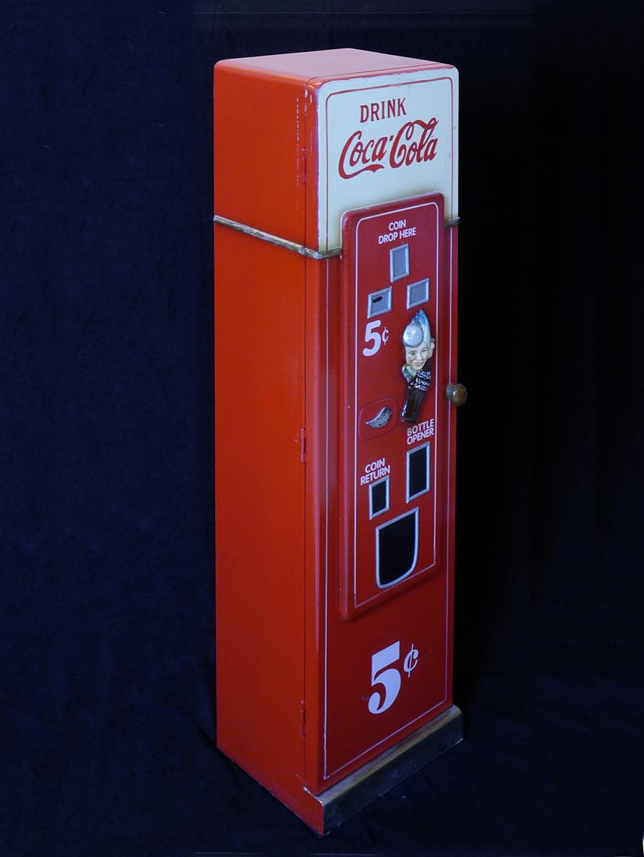 cd schrank coca cola automat im retro stil dekoration und. Black Bedroom Furniture Sets. Home Design Ideas