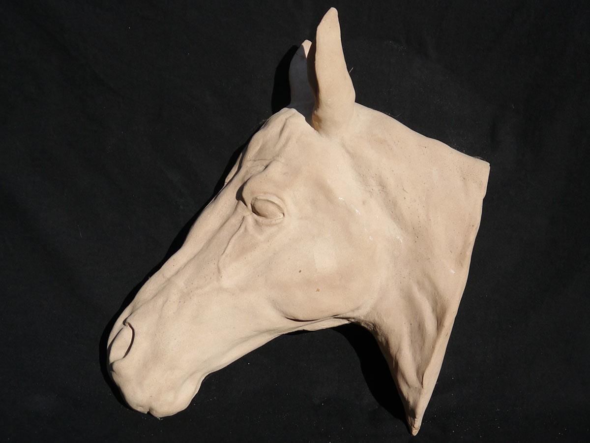 Dekorative pferdekopf sandstein figur f r haus und garten for Figuren aus sandstein