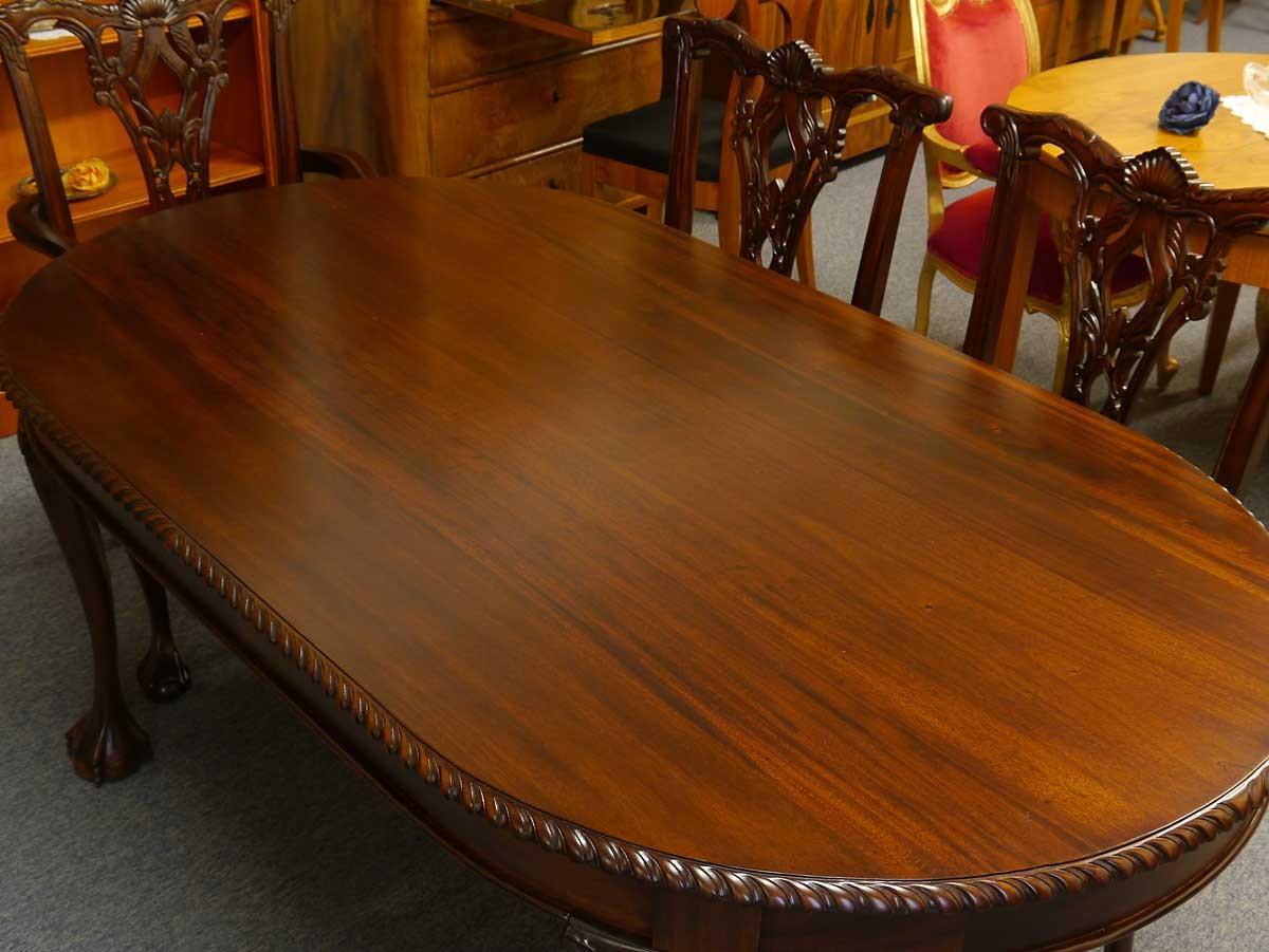 ovaler esstisch aus massivholz im chippendale stil tische. Black Bedroom Furniture Sets. Home Design Ideas