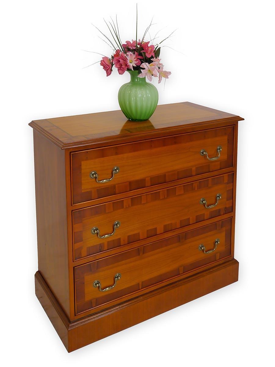 kommode im englischen stil in eibe mit intarsien kommoden und anrichten kommoden. Black Bedroom Furniture Sets. Home Design Ideas