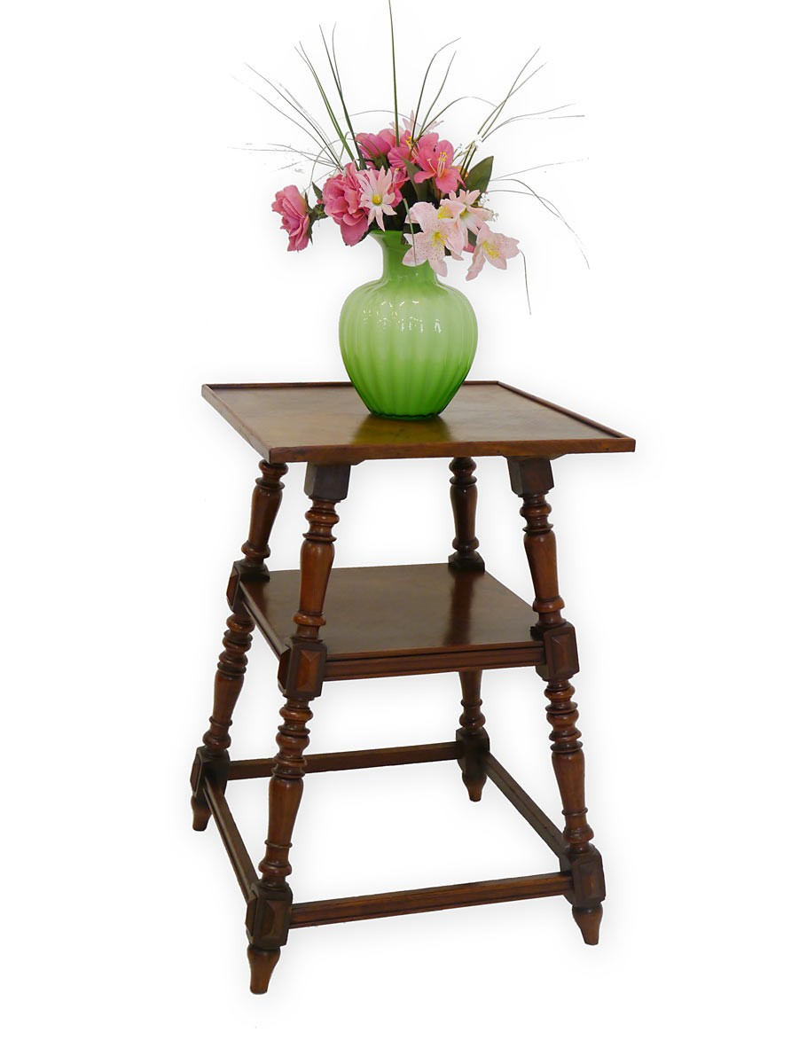 beistelltisch tisch telefontisch in nussbaum antik 3563. Black Bedroom Furniture Sets. Home Design Ideas