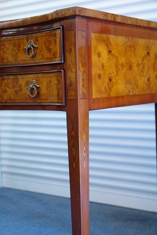 schreibtisch damensekret r nusswurzelholz hochwertig wie antik 828 ebay. Black Bedroom Furniture Sets. Home Design Ideas